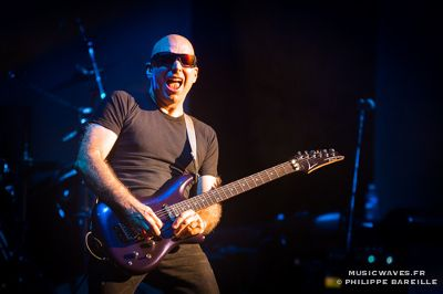 JOE-SATRIANI--LE-GRAND-REX-PARIS--24-SEPTEMBRE