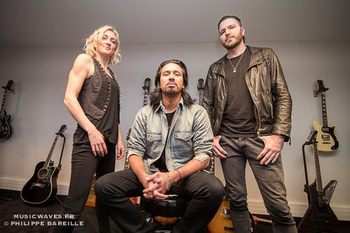 POP-EVIL-21-OCTOBRE-16