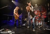 THE-DEAD-DAISIES--THE-NEW-ROSES--LE-FORUM-DE-V