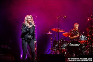 BONNIE-TYLER--LANNY-LANNER--L-OLYMPIA--MAI-19