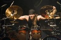 JUKKA-NEVALAINEN-batteur-de-Nightwish-oblige-d