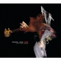 PEARL-JAM-_Live-On-Two-Legs